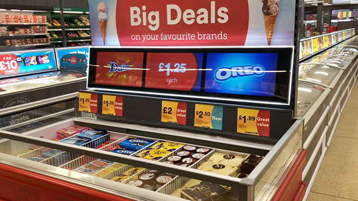 digital-signage-for-retail-img-1