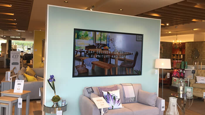 digital-signage-for-retail-img-4
